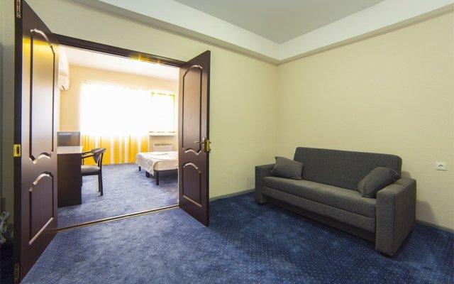 Zhemchuzhina Hotel 1