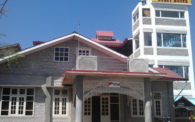 Отель Sin Yaw Guest House вид на фасад