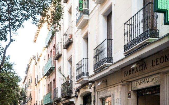 Отель Hostal Carracedo вид на фасад
