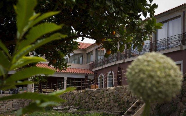 Отель Quinta de VillaSete вид на фасад