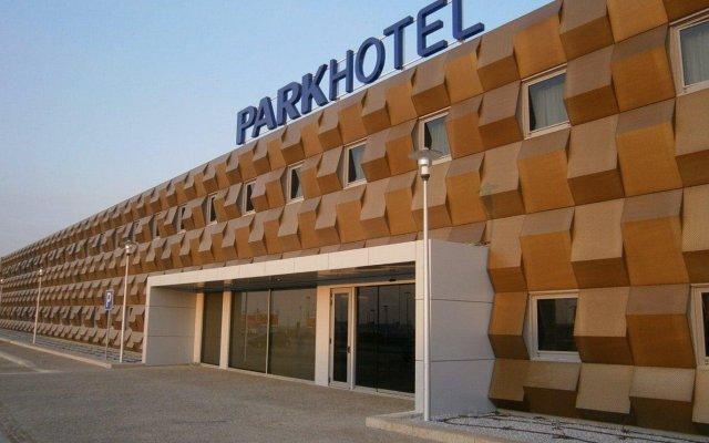 Отель Park Hotel Porto Aeroporto Португалия, Майа - 4 отзыва об отеле, цены и фото номеров - забронировать отель Park Hotel Porto Aeroporto онлайн вид на фасад