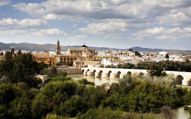Отель NH Córdoba Guadalquivir Испания, Кордова - 2 отзыва об отеле, цены и фото номеров - забронировать отель NH Córdoba Guadalquivir онлайн вид на фасад