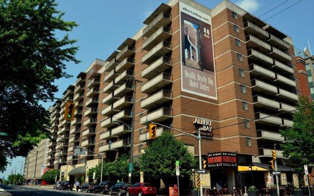 Отель Albert At Bay Suite Hotel Канада, Оттава - отзывы, цены и фото номеров - забронировать отель Albert At Bay Suite Hotel онлайн вид на фасад