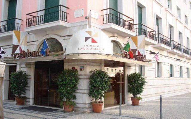 Отель Residencial Lar do Areeiro Португалия, Лиссабон - 5 отзывов об отеле, цены и фото номеров - забронировать отель Residencial Lar do Areeiro онлайн вид на фасад