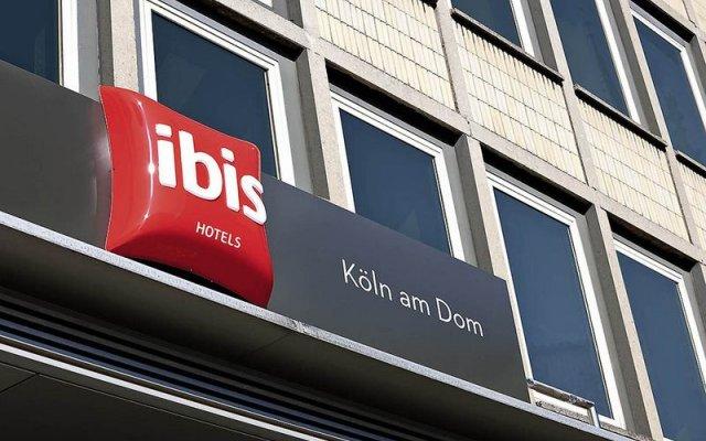 Ibis Hotel Köln Am Dom вид на фасад