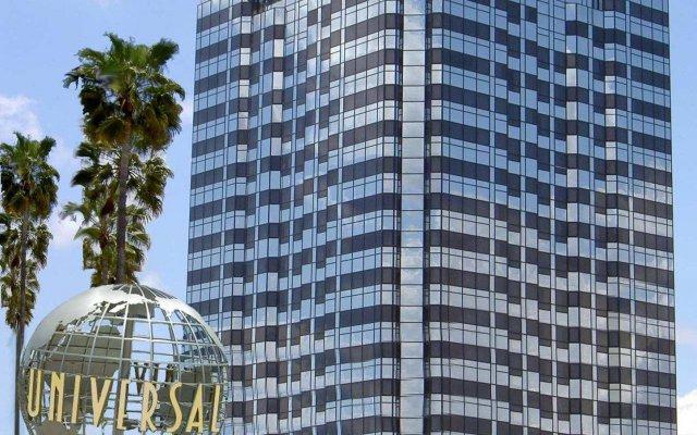 Отель Hilton Los Angeles/Universal City США, Лос-Анджелес - отзывы, цены и фото номеров - забронировать отель Hilton Los Angeles/Universal City онлайн вид на фасад