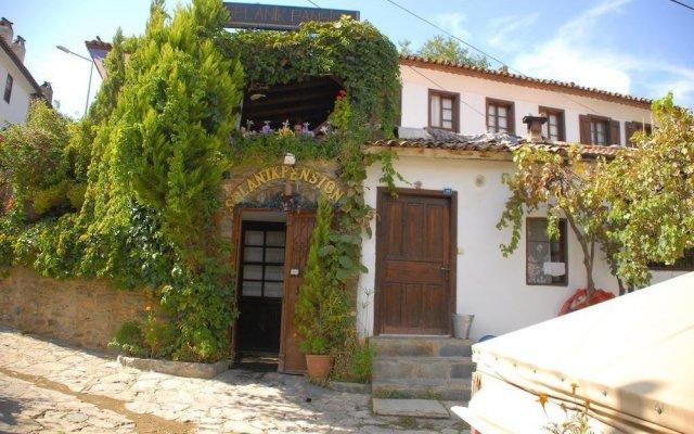 Отель Selanik Pansiyon вид на фасад