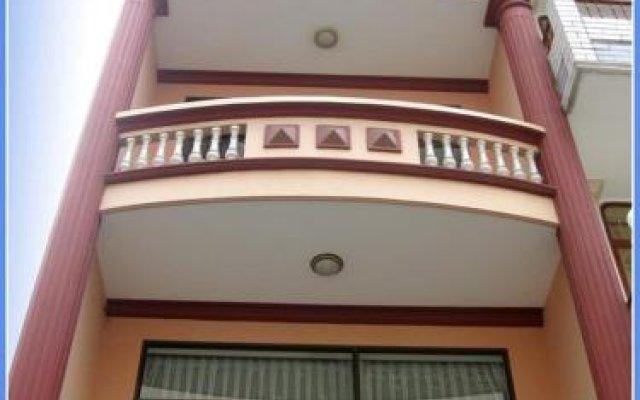 Chau Long Mini Hotel вид на фасад