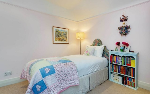 Отель Crouch End Family Home Великобритания, Лондон - отзывы, цены и фото номеров - забронировать отель Crouch End Family Home онлайн комната для гостей