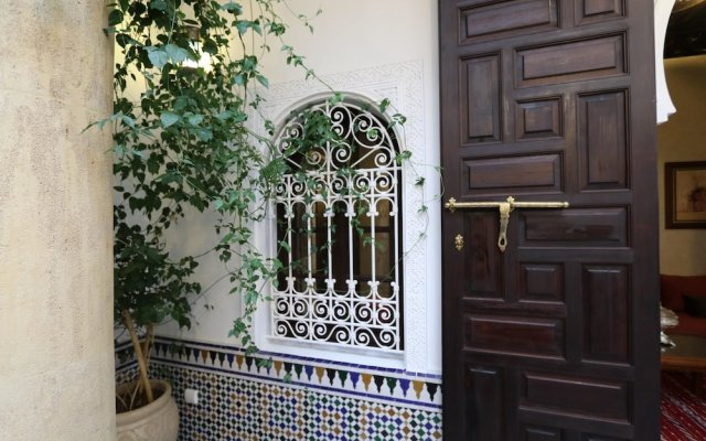 Отель Property With 6 Bedrooms in Rabat, With Terrace and Wifi Марокко, Рабат - отзывы, цены и фото номеров - забронировать отель Property With 6 Bedrooms in Rabat, With Terrace and Wifi онлайн вид на фасад