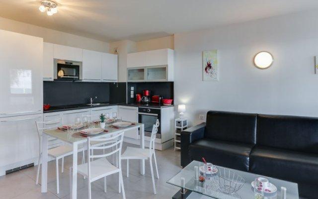 Отель Galets d'Azur Promenade des Anglais Франция, Ницца - отзывы, цены и фото номеров - забронировать отель Galets d'Azur Promenade des Anglais онлайн комната для гостей