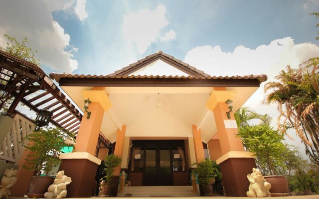 Отель Waratee Spa Resort Villa Таиланд, Бангкок - отзывы, цены и фото номеров - забронировать отель Waratee Spa Resort Villa онлайн вид на фасад