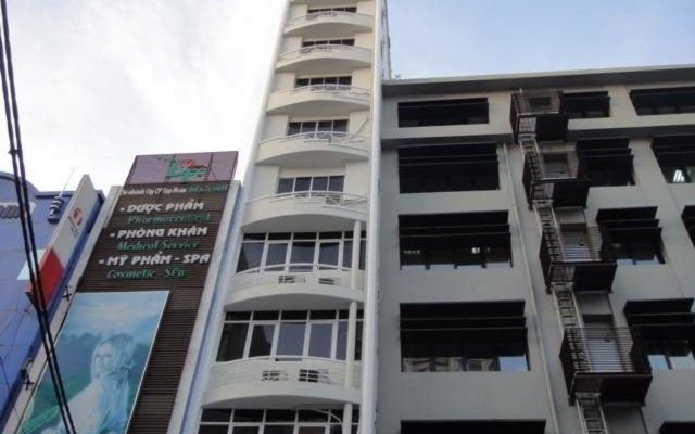 N.Y Kim Phuong Hotel вид на фасад