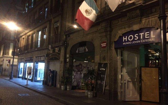 Отель Hostel Mundo Joven Catedral Мексика, Мехико - - забронировать отель Hostel Mundo Joven Catedral, цены и фото номеров вид на фасад