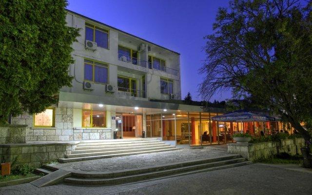 Отель Strandja Болгария, Золотые пески - отзывы, цены и фото номеров - забронировать отель Strandja онлайн вид на фасад