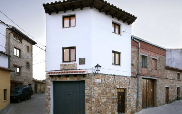 Отель Casas Rurales Peñagolosa вид на фасад