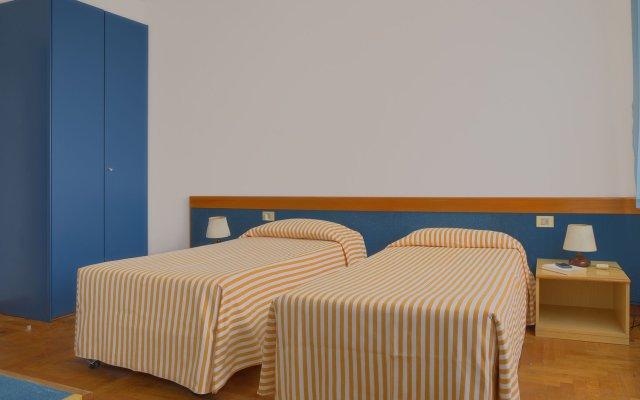 Hotel Mistral Ористано комната для гостей