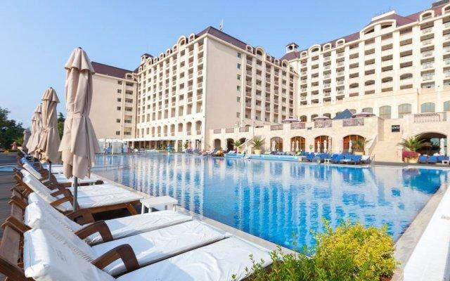 Отель Melia Grand Hermitage - All Inclusive бассейн