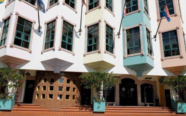 Hotel Plaza Del Libertador вид на фасад