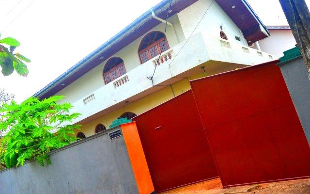 Отель Chaya Villa Guest House вид на фасад