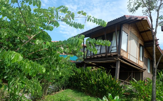 Отель Alama Sea Village Resort Ланта вид на фасад