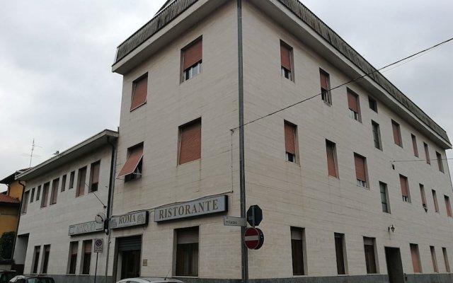 Отель Ristorante Albergo Roma Италия, Леньяно - отзывы, цены и фото номеров - забронировать отель Ristorante Albergo Roma онлайн вид на фасад