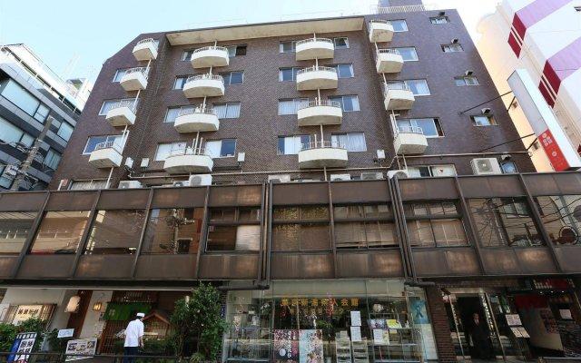 Tokyo Ueno Youth Hostel Токио вид на фасад
