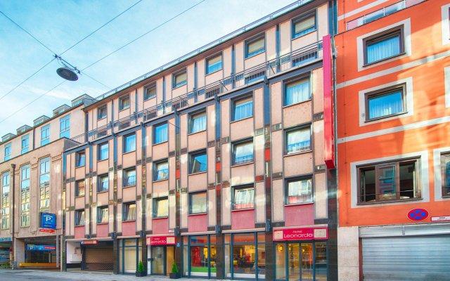 Отель Leonardo Hotel München City Center Германия, Мюнхен - 2 отзыва об отеле, цены и фото номеров - забронировать отель Leonardo Hotel München City Center онлайн вид на фасад