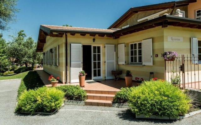 Отель Il Ruscello Италия, Манерба-дель-Гарда - отзывы, цены и фото номеров - забронировать отель Il Ruscello онлайн вид на фасад