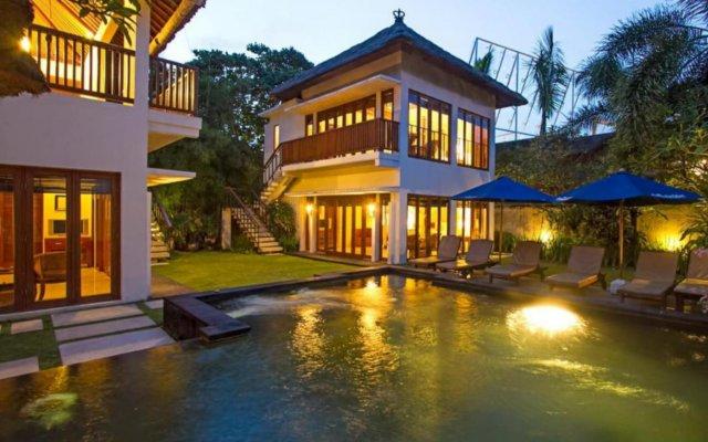 Отель Bali baliku Private Pool Villas вид на фасад
