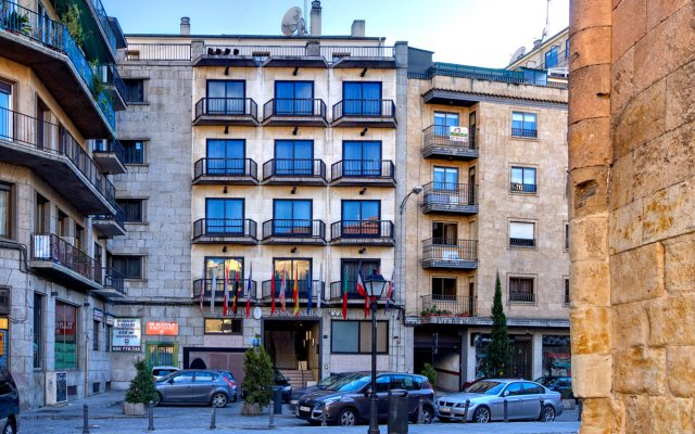Hotel Silken Rona Dalba вид на фасад
