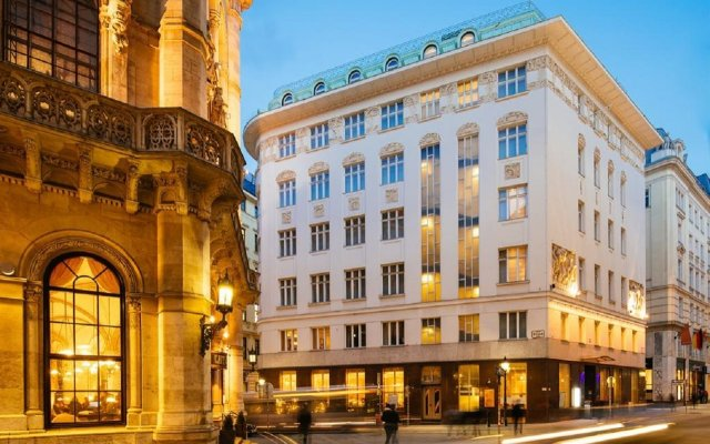 Отель Radisson Blu Style Вена вид на фасад