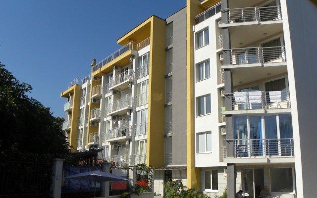 Отель ApartComplex New Tawn Болгария, Аврен - отзывы, цены и фото номеров - забронировать отель ApartComplex New Tawn онлайн вид на фасад