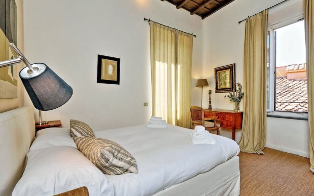 Апартаменты Trevi Stylish Apartment Рим комната для гостей