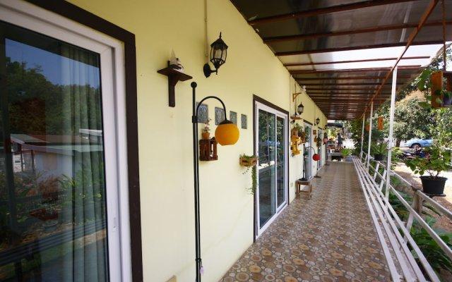 Отель SlowLife Resort вид на фасад