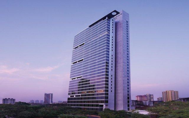 Four Seasons Hotel Mumbai вид на фасад