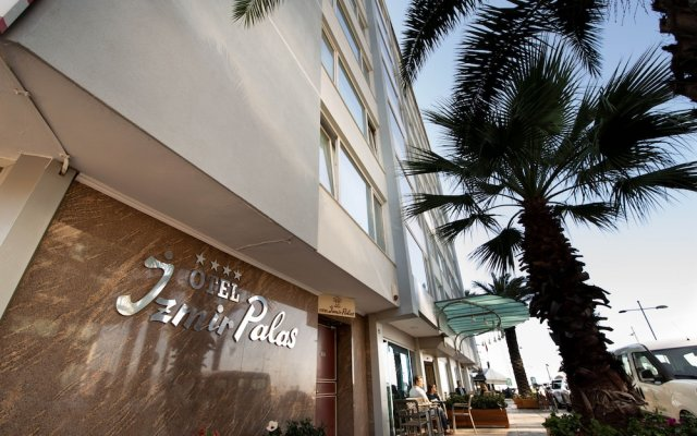 Izmir Palas Otel In Izmir Turkey From 63 Photos Reviews Zenhotels Com