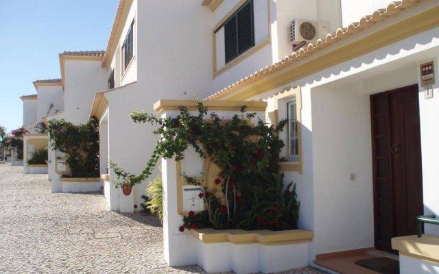 Отель Villas Rufino вид на фасад