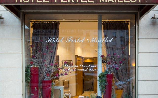 Отель Fertel Maillot Париж вид на фасад