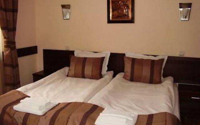 Отель Family Hotel Teteven Болгария, Тетевен - отзывы, цены и фото номеров - забронировать отель Family Hotel Teteven онлайн комната для гостей