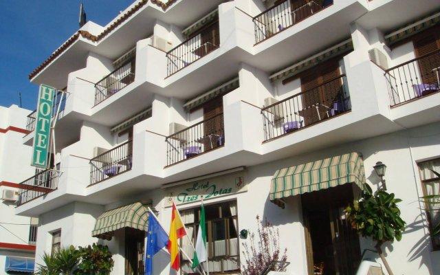Отель Tres Jotas Испания, Кониль-де-ла-Фронтера - отзывы, цены и фото номеров - забронировать отель Tres Jotas онлайн вид на фасад