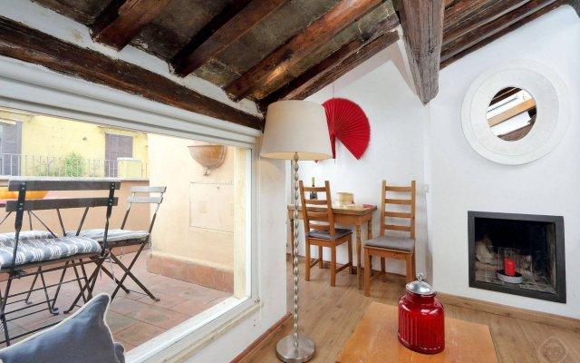 Апартаменты Trevi Fountain Apartments комната для гостей