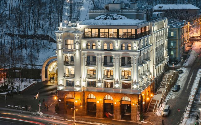 Отель Riviera House