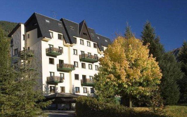 Hotel Lac Vielha вид на фасад