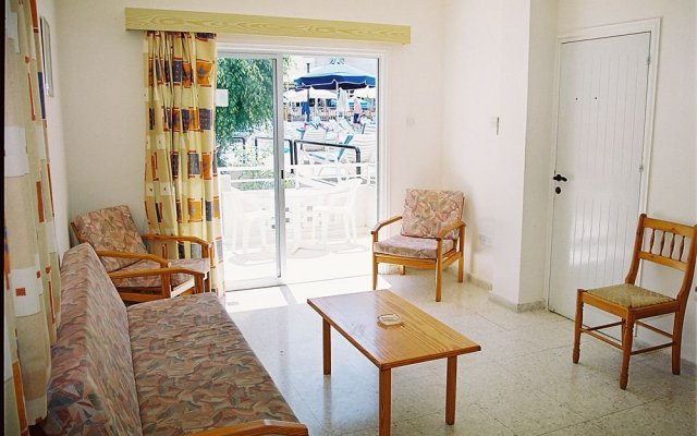 Отель Sweet Memories Hotel Apts Кипр, Протарас - отзывы, цены и фото номеров - забронировать отель Sweet Memories Hotel Apts онлайн комната для гостей