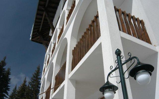 Отель Monastery 2 Pamporovo Болгария, Пампорово - отзывы, цены и фото номеров - забронировать отель Monastery 2 Pamporovo онлайн вид на фасад