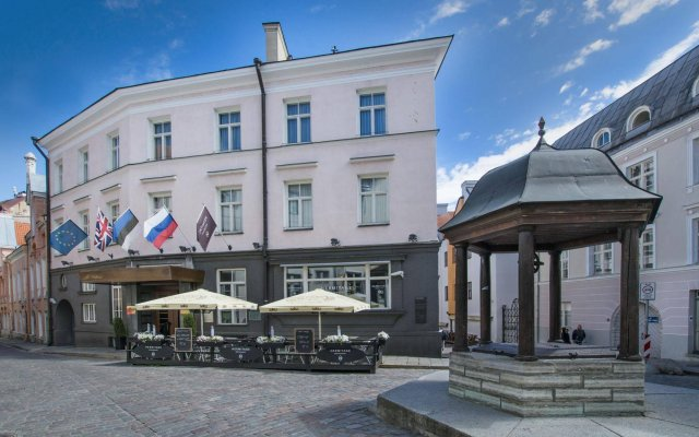 Отель St.Petersbourg вид на фасад
