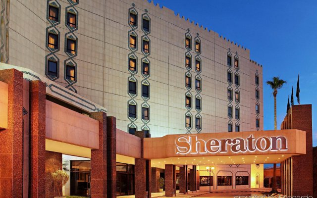 Sheraton Riyadh Hotel & Towers вид на фасад