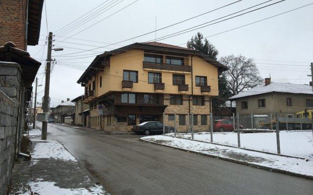 Отель Sofia Hotel Болгария, Банско - отзывы, цены и фото номеров - забронировать отель Sofia Hotel онлайн вид на фасад