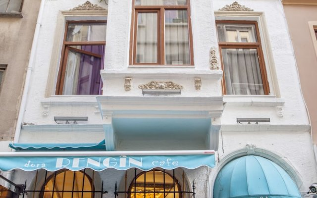 Dora Hotel вид на фасад